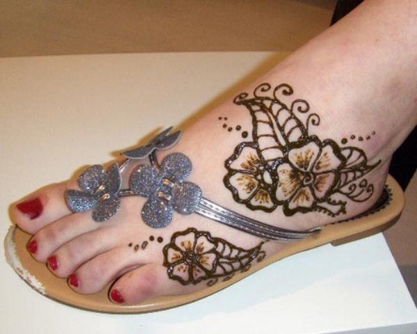 Mehndi Bridal Shoes : Bridal foot beautiful mehndi style fashionstylecry