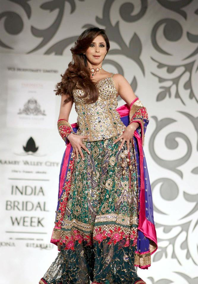 Urmila Matondkar Ramp for Bridal Fashion Week Photo Gallery