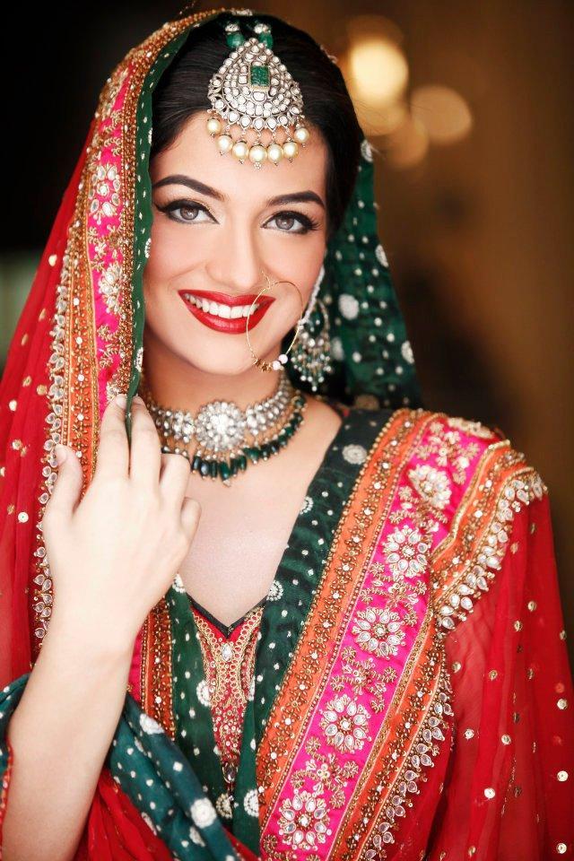 Indian Bridal Kundan Jewelry With Maang Tikka Set 01