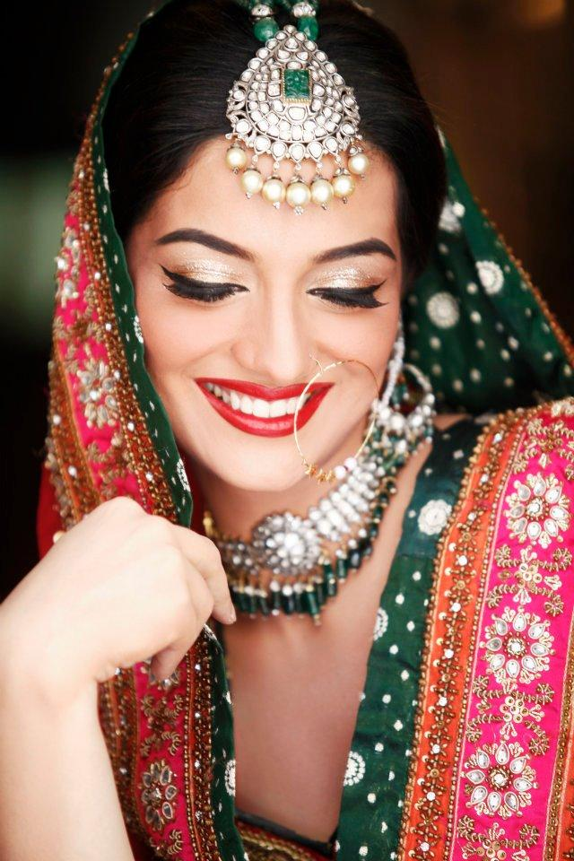 Indian Bridal Kundan Jewelry With Maang Tikka Set 02