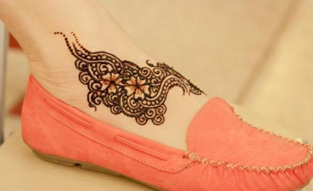 Feet Mehndi Designs For Girls