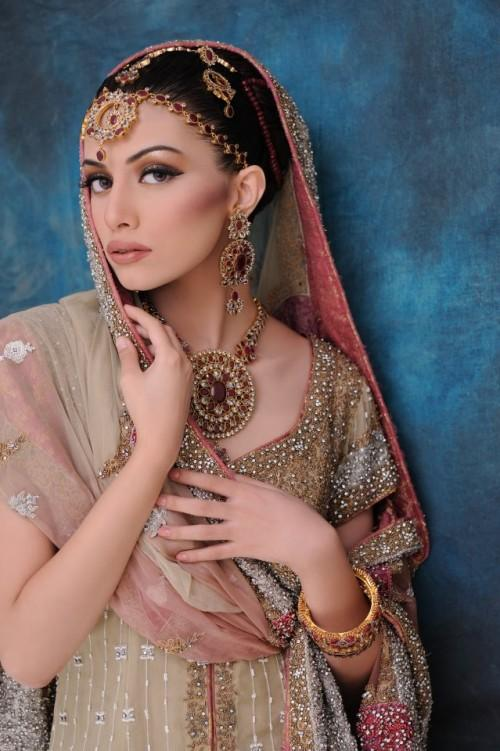 Pakistani Ultimate Women`s Jewellery Collection