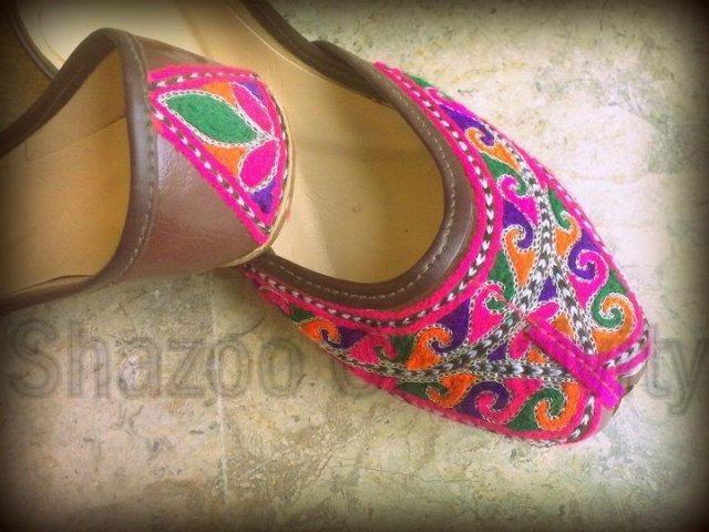 Shazoo Creativity Exclusive Khussay Designs
