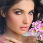 Amna Ilyas Stunning Makeup 2013 For Color Studio