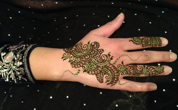 Arabic Mehndi Flower : Arabic mehndi designs with glitter and gems fashionstylecry
