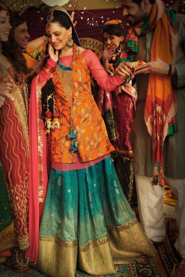 Mehndi Dresses for Girls