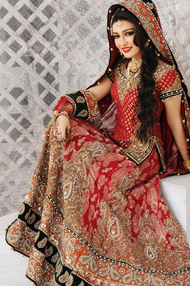 pakistani bridal makeup lehnga choli with accessories 1