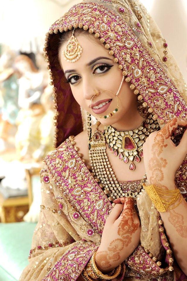 Bridal Makeup Lehnga Choli With Accessories 7 | StyleCry: Bridal ...