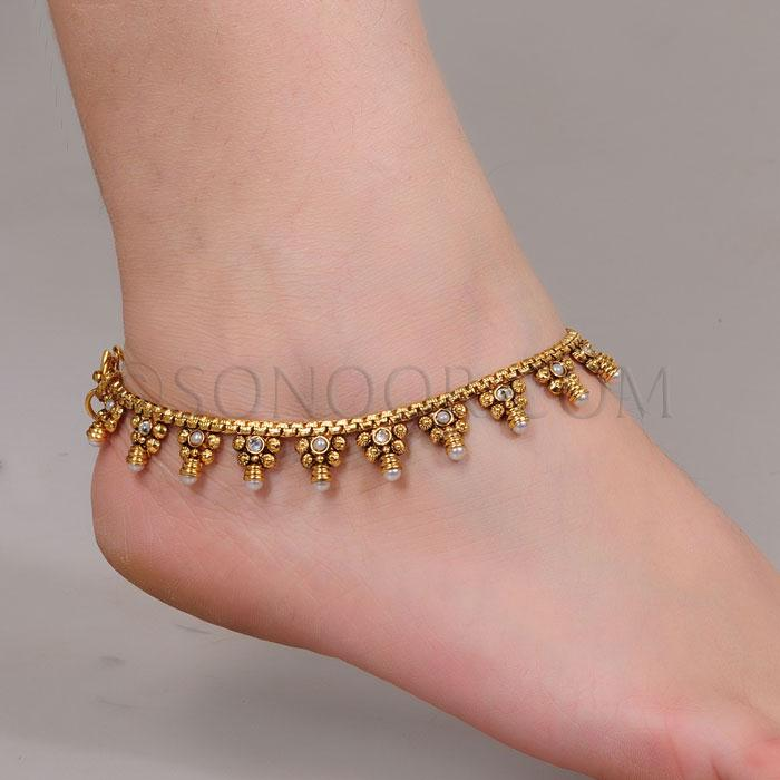 Adorn your ankles with glittering ankle bracelets from Sears. Whether you're wearing a single, solid gold chain with charms or layers of sterling silver chains, ankle bracelets will brighten up any outfit with eye-catching designs.