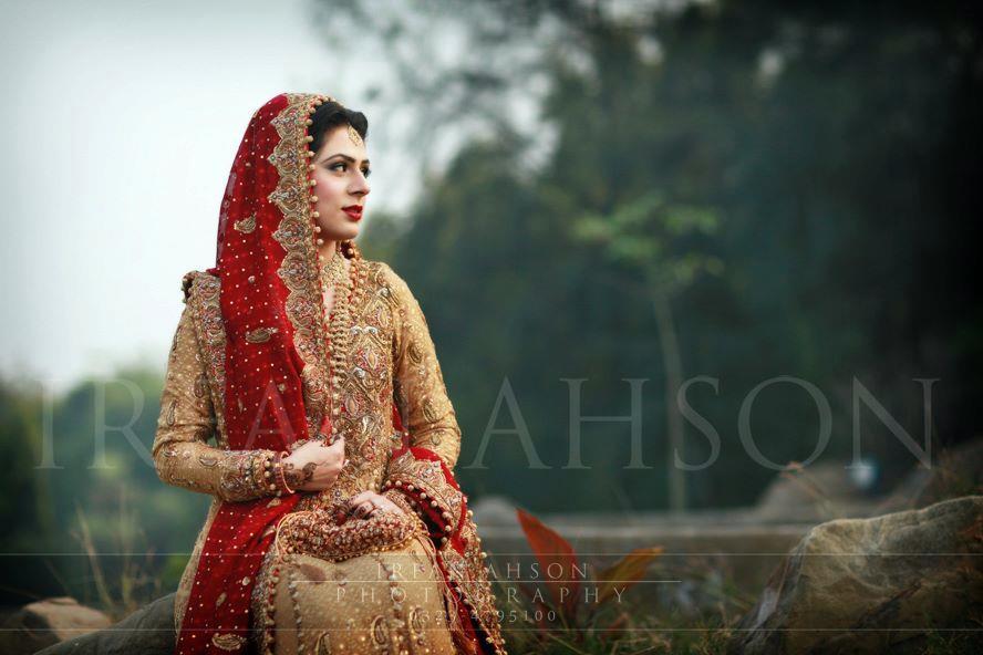Red Bridal Dresses in Pakistan