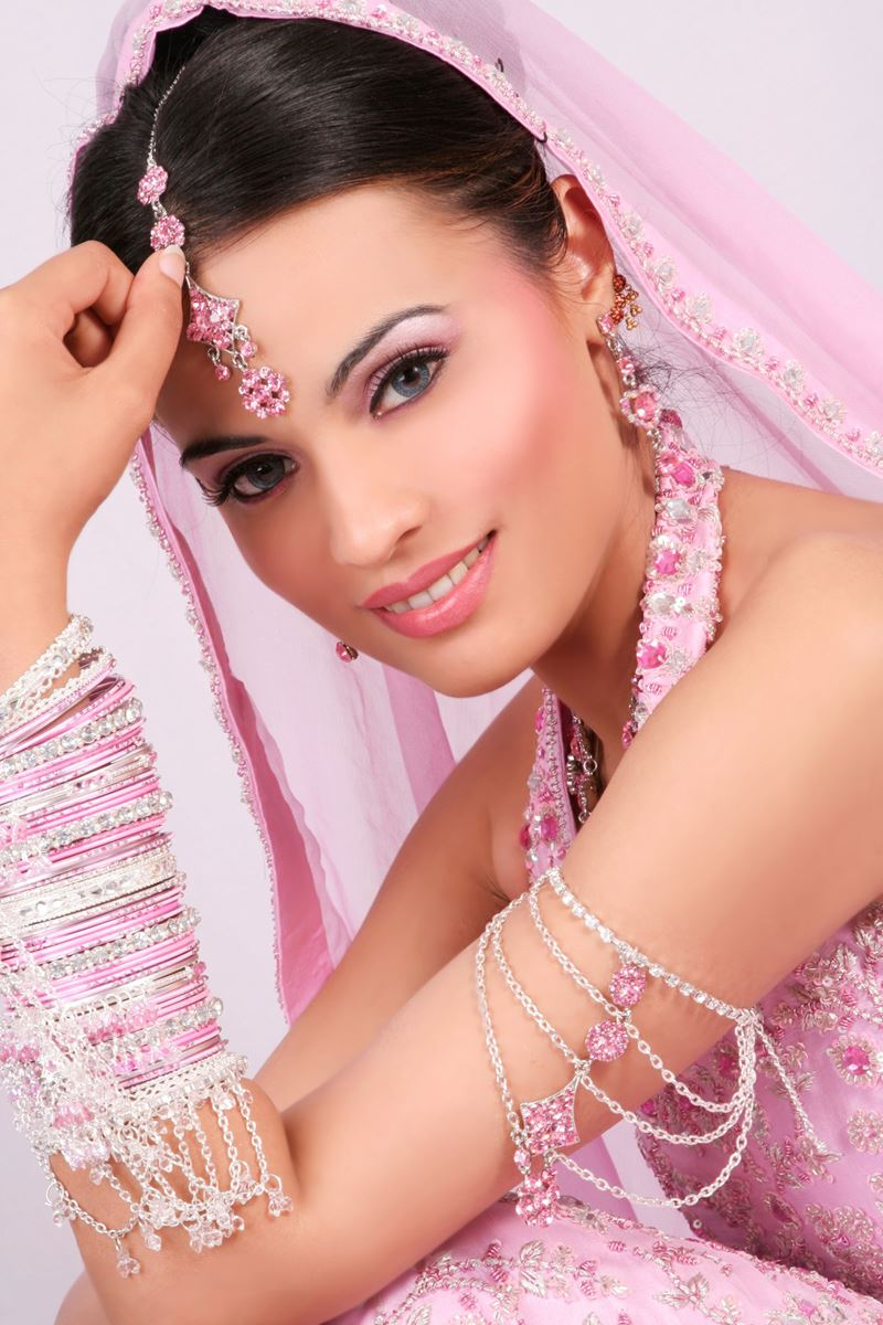 Bridal eye makeup and Hairstyle For wedding day 3 | StyleCry: Bridal ...